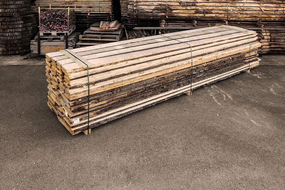 Fichte Holzstapel in unserem Lager in Mühldorf