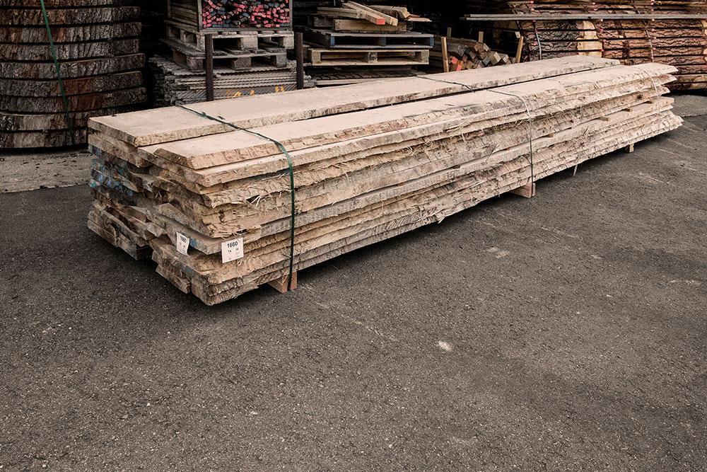 Tanne Holzstapel in unserem Lager in Mühldorf